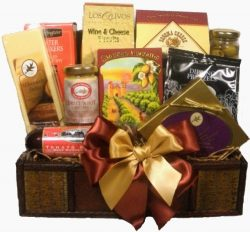 Delight Expressions Treasured Snacks Gourmet Food Gift Basket – A Holiday Gift Basket Idea