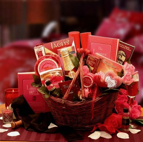 Wedding Night Basket Ideas: A Romantic Valentines Day Gift Basket For Her