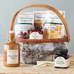 Stonewall Kitchen Breakfast Gift Baskets and Sets (8 Piece Family Breakfast Gift Basket)