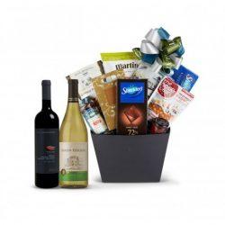Kosher Gift Basket by Chosen Gifts | Delectable Bites Large Kosher Food Gift Basket with Gourmet ...