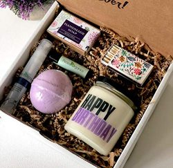 Happy Birthday Spa Gift Box – Relaxation Kit – Bath Bomb and Soy Candle