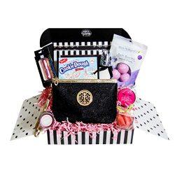 Women's Birthday Gift Basket Surprise Box Set – Unique Beauty Kit Idea for Mom, Sist ...