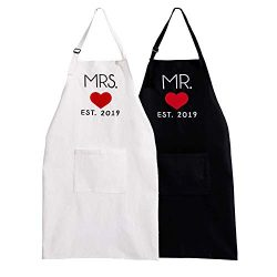 UJoowalk His and Her Aprons Black White Wedding Gifts for Couple Bridal Shower Anniversary Newly ...