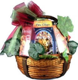 The Kosher Gourmet – An All Kosher Food Gift Basket (Medium)