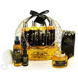 Luxurious Spa Gift Basket with Lavender Chamomile Fragrance. 11 Piece Natural Spa Gift Set. Pure ...