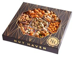 Nut Haven Holiday Nuts Christmas Gift Basket | Tasty Assortment of nuts, Pretzels, Toasted Corn, ...