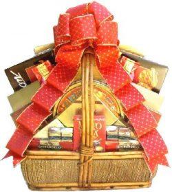 Goldene Elegance – Elegant Gourmet Gift Basket With Cookies, Fresh Nuts, Fudge, Truffles & ...