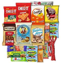 Sweet Choice (20 Count) Ultimate Sampler snack box Mixed Bars, Cookies, Chips, Candy Snacks Box  ...
